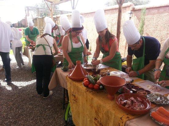 Cour de cuisine photo de atelier de cuisine chef tarik for Atelier cuisine marrakech