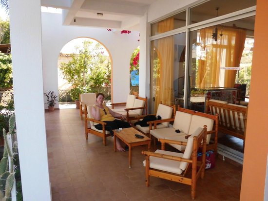 Laura Hotel: Hotellobby zum verweilen