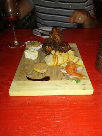 Brut Cantina Sociale: Riopelle cheese, foie gras, cornish hen, trout gravlax