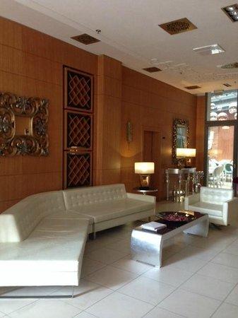 Marmara Hotel Budapest: La Hall