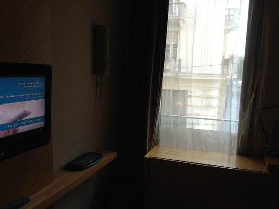 Marmara Hotel Budapest: Dettaglio affacio su strada primo piano