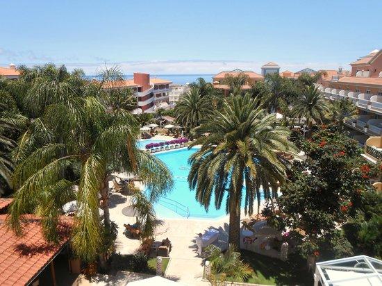 Hotel Riu Garoe: Pool view
