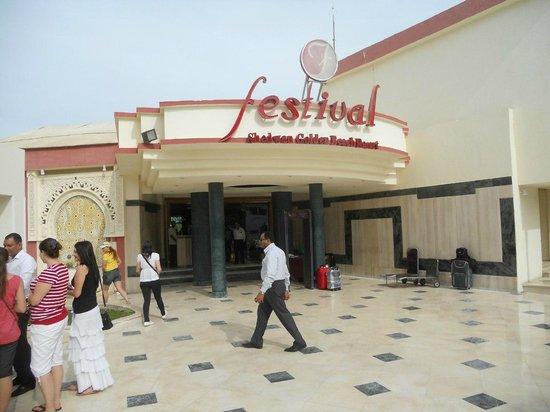 Festival Shedwan Golden Beach Resort: Вход