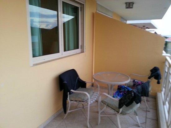 Sea Breeze Hotel: Balcony
