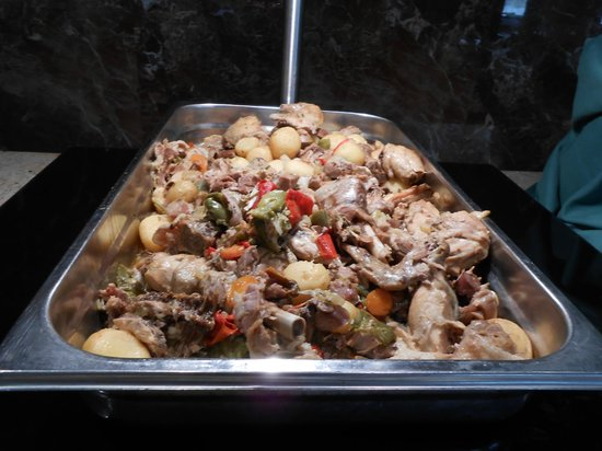 Playa Dorada Aparthotel : Inedible food served up!