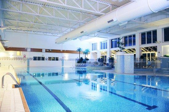 Village Hotel Cardiff: 25 Metre Swimming Pool