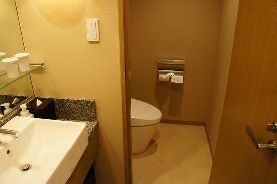 Hotel Ryumeikan Tokyo: 廁所是分開的