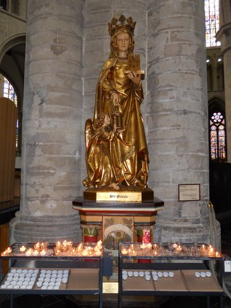 Cathédrale Saints-Michel-et-Gudule de Bruxelles : sta. Gúdula