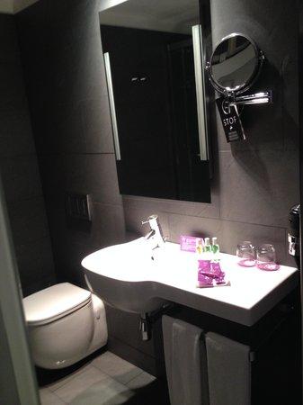 Ayre Hotel Gran Via: salle de bain