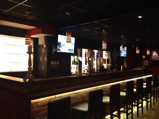 nice bar picture of star bar restaurant swansea tripadvisor. Black Bedroom Furniture Sets. Home Design Ideas
