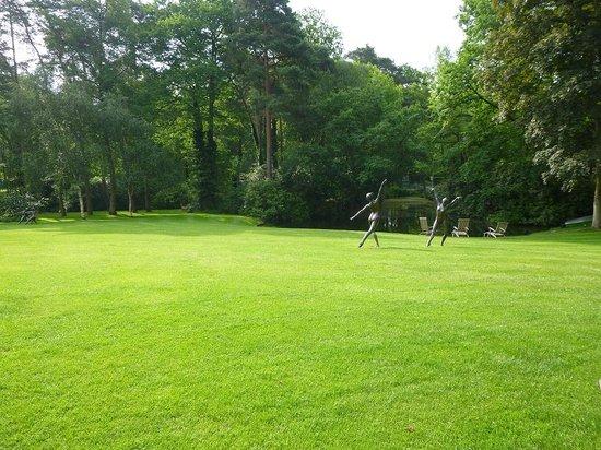 La Butte Aux Bois Hostellerie : jardin