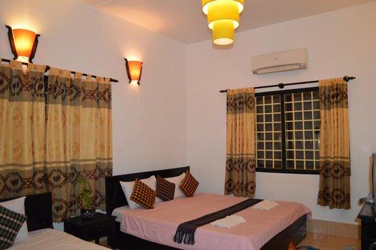Bou Savy Guest House: Room - Triple A/C