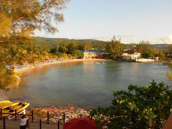 Jewel Paradise Cove Resort & Spa Runaway Bay, Curio Collection by Hilton: The main beach/bay area