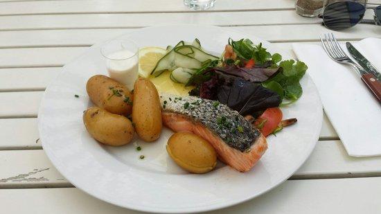 Herregardskroa: Trancio di salmone al forno