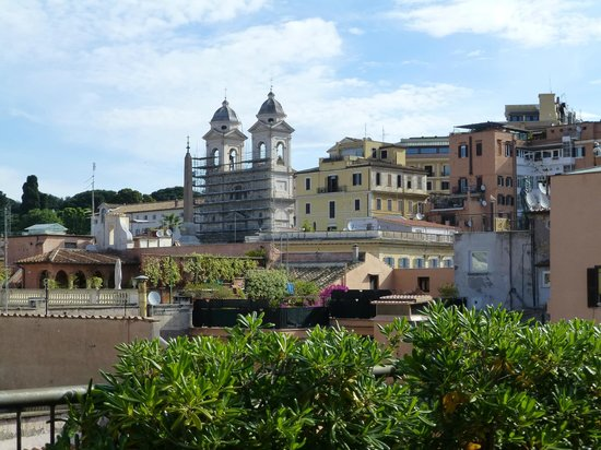 Hotel Homs: View from the roof terrace of the Cupolone Suite to the Spanish Steps
