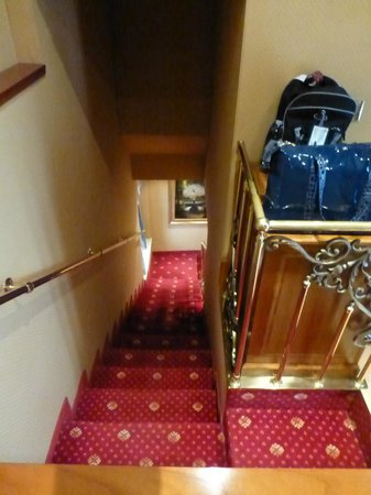 Homs Hotel: Internal stairs in the Cupolone Suite