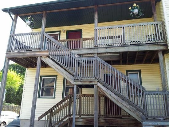 Andrea's Bed and Breakfast : Upper Deck is Private Entrance to Suite