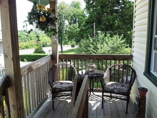 Andrea's Bed and Breakfast : Enjoy the view from the Private Deck