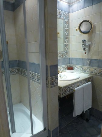 Homs Hotel: Bathroom of the Cupolone Suite