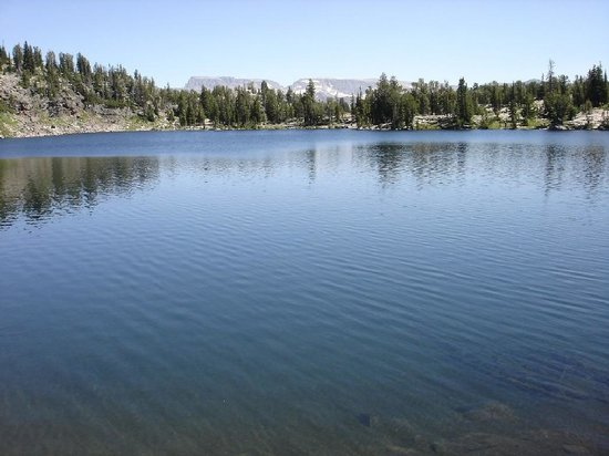 One of the many high alpine lakes that you will see on Beartooth Plateau Outfiters' Pack Trip.