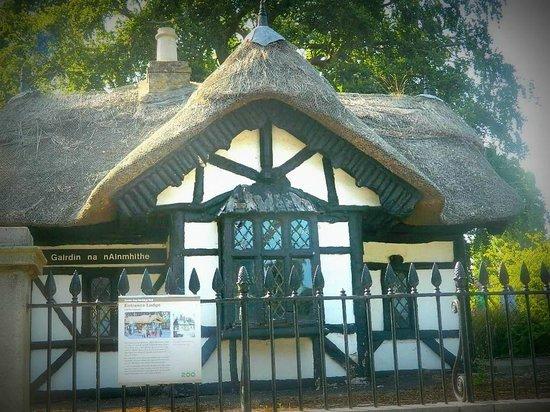 Dublin Zoo: house