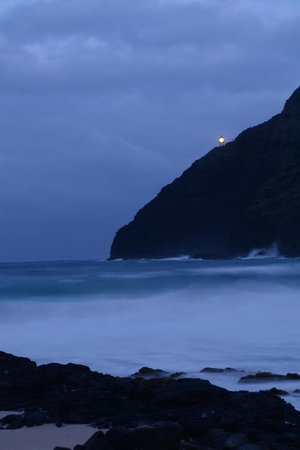 Oahu Photography Tours : Light house from the beach