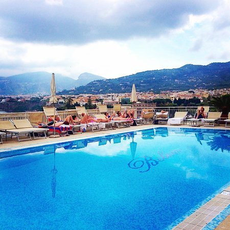 Hotel Belair: Pool with breathtaking view