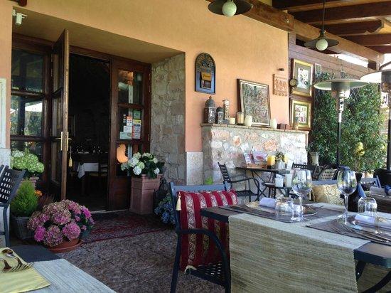 Ristorante La Cantina : tavoli esterni