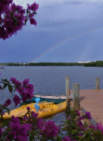 Turtle Beach Resort : Kayaks, canoes, fishing right on property- bay side