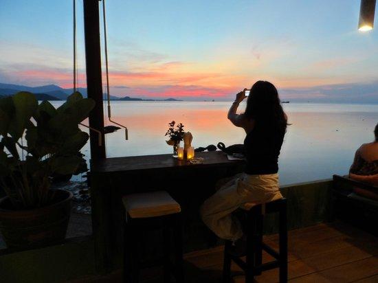 Sunset Chilout Cafe : le plus beau coucher de soleil sur la mer à Samui ...
