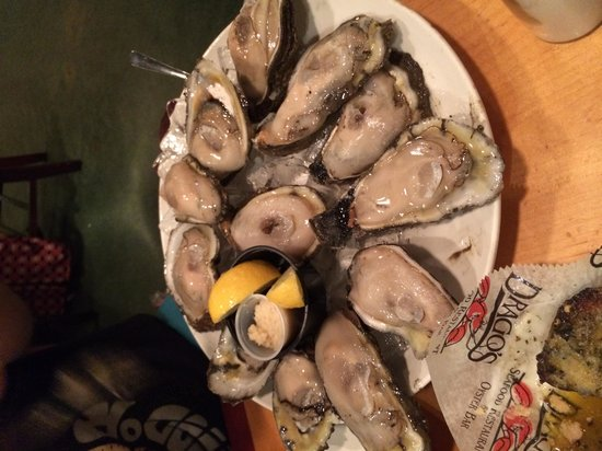 Drago's Seafood Restaurant: Raw oysters