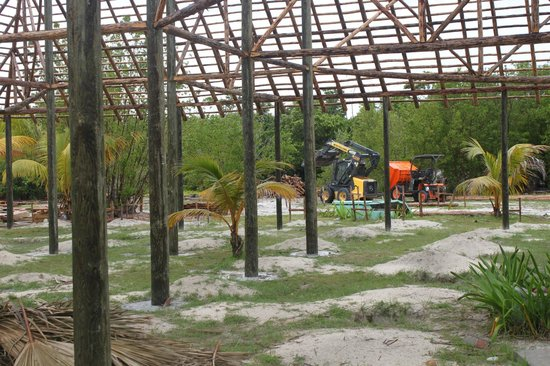 Hotel Cayo Levisa: construction site nearby - very loud