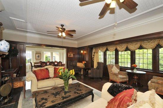 The Craigmyle : Living room & Sitting Room