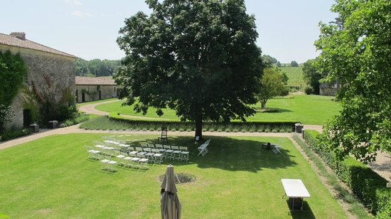 Chateau Rigaud : Lawn laid out for wedding ceremony