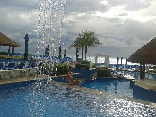 Royal Solaris Cancun: piscina