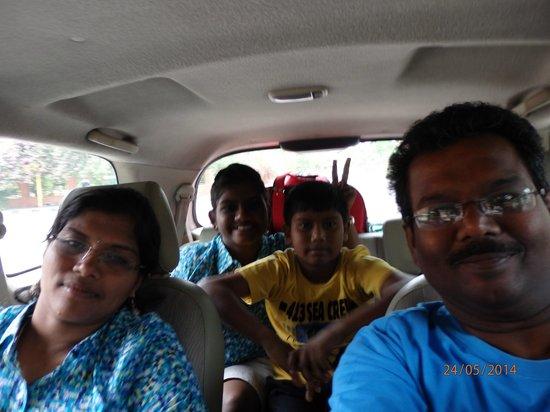 Sunil Day Tours: on the way to tajmahal