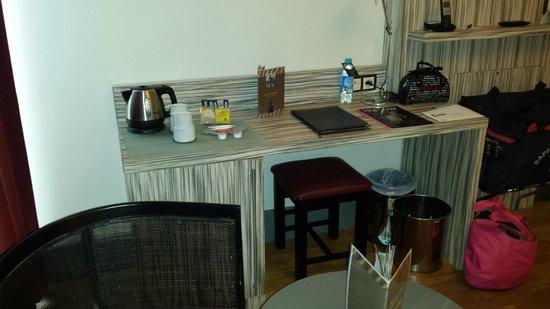 Eden Hotel & Spa: Le bureau + coin café