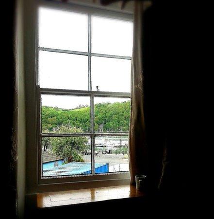 The Ship in Dock Inn: room