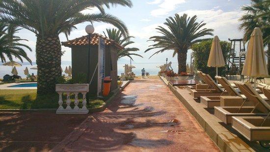 Assa Maris Bomo Club Hotel: weg zum Strand