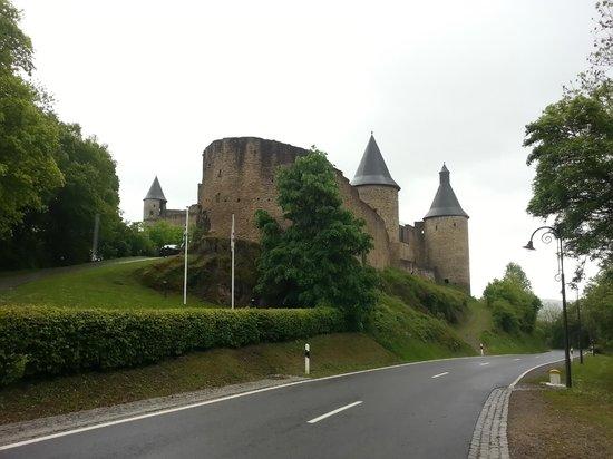 Bourscheid Castle : Крепость Буршейд