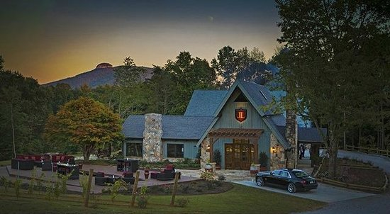 End Posts and the JOLO Tasting Lodge -overlooking beautiful Pilot Mountain