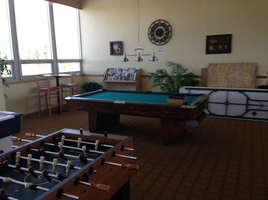 Sarasota Sands: Game Room