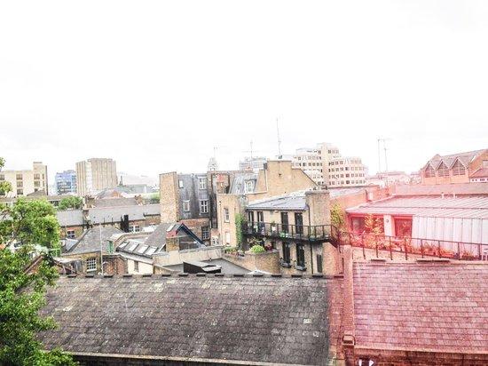 Radisson Blu Edwardian Mercer Street Hotel: View from room 508