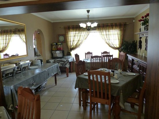 Sunrock Guesthouse: Dining Room