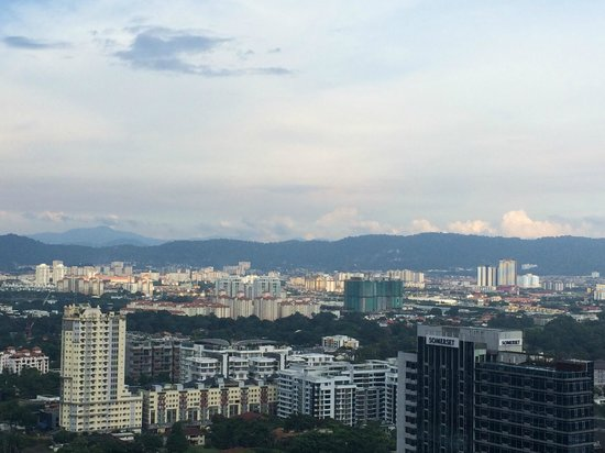 DoubleTree by Hilton Kuala Lumpur: view is interesting of the city