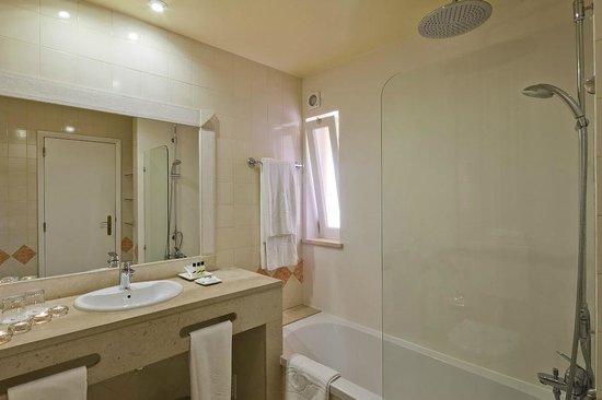 Costa D'oiro Ambiance Village: Bathroom