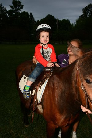 Tyler Place Family Resort: Pony Ride at Tyler Place!