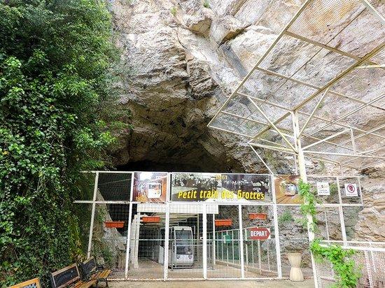 Grottes de Lacave: Entrance to the cave