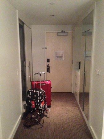W Hollywood: Passage way to door