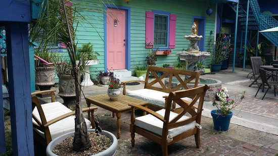 Creole Gardens Guesthouse Bed & Breakfast : conversation area